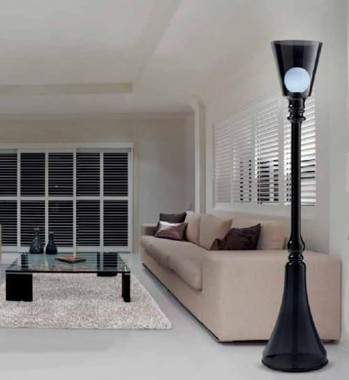 indoor-post-lamp-gallery-vetri-darte-la-lumiere-3.jpg