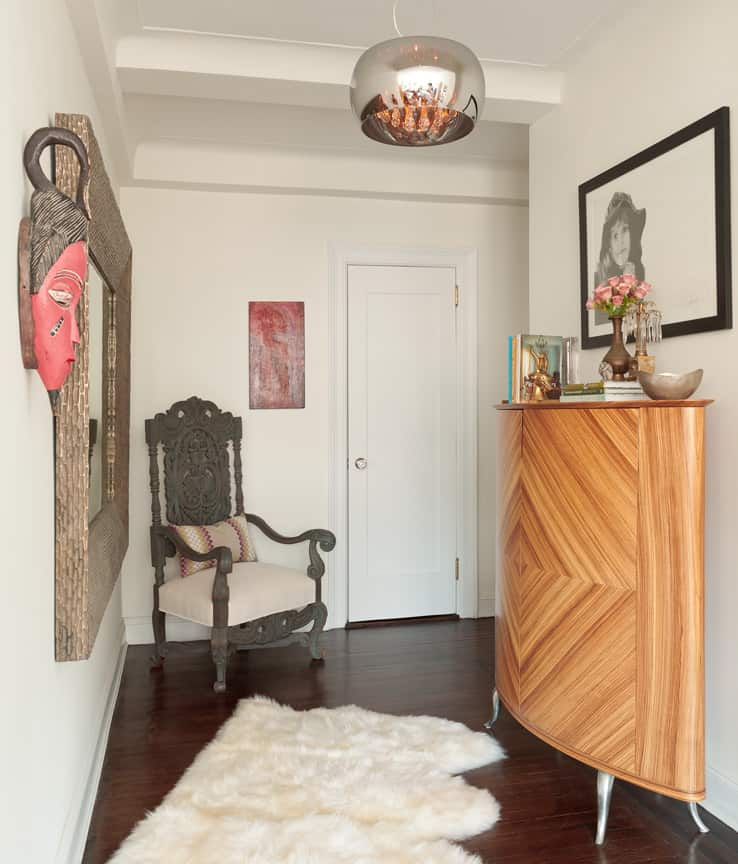 Cozy Manhattan Apartment Combines Vintage Flare With ...
