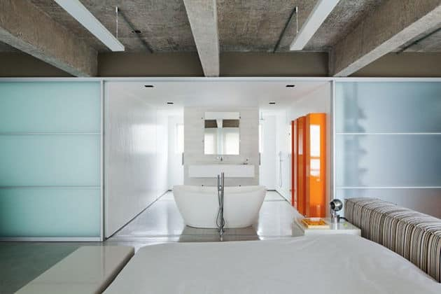 estudioibola-furnishings-vibrant-colours-create-minimalist-wonderland-sao-paolo-apartment-6-master-suite.jpg