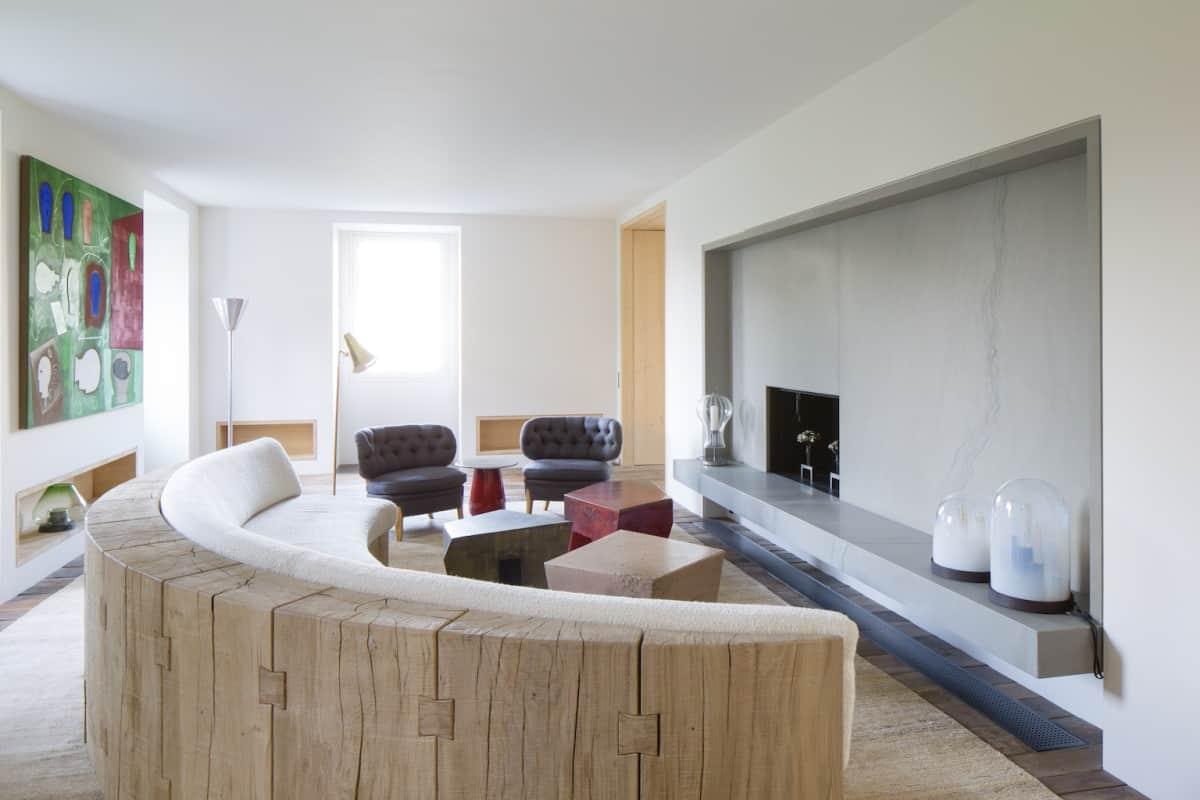 A dash of panache in paris apartment by pierre yovanovitch for Hotel design paris 8
