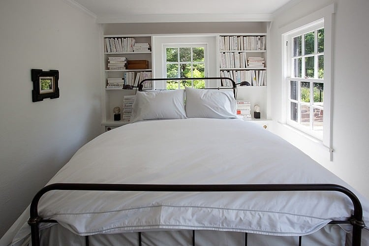 View In Gallery Casually Elegant Historic Home 11 Guest Bedroom Jpg