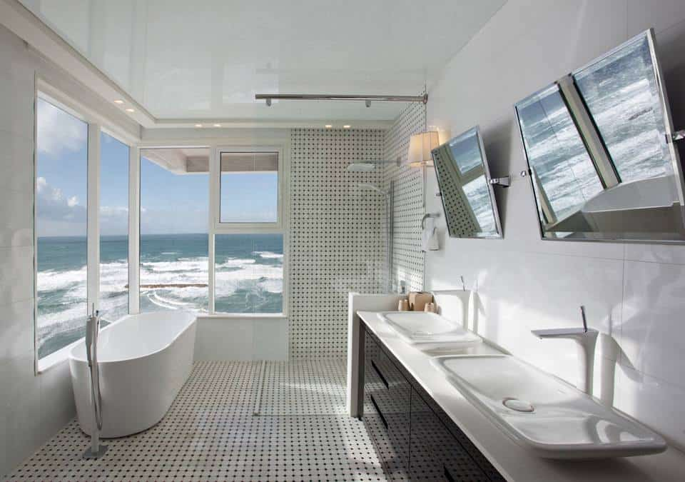 Awesome Seafront Apartment Has Stunning Puravida Bathroom