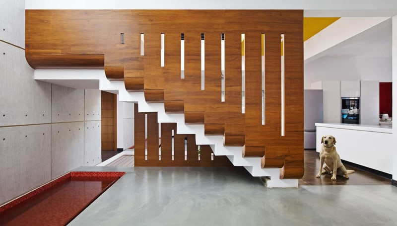 Sculptural Staircase Showcases Light And Movement