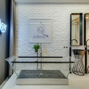 Apartment Bathroom Design That Looks Like a Showroom