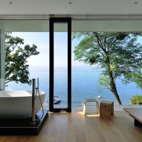 Ever dreamed about the house you could enjoy? This is it: Lake Geneva, France