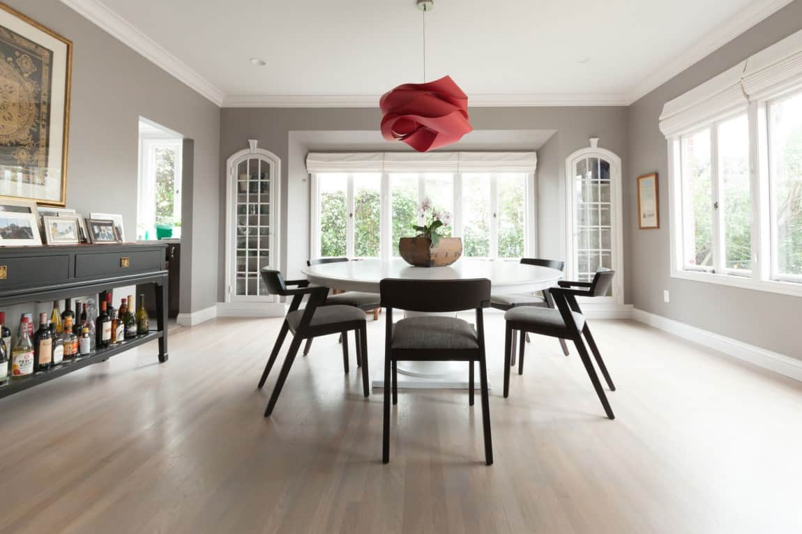 A Dining Room with Picture Perfect Lighting