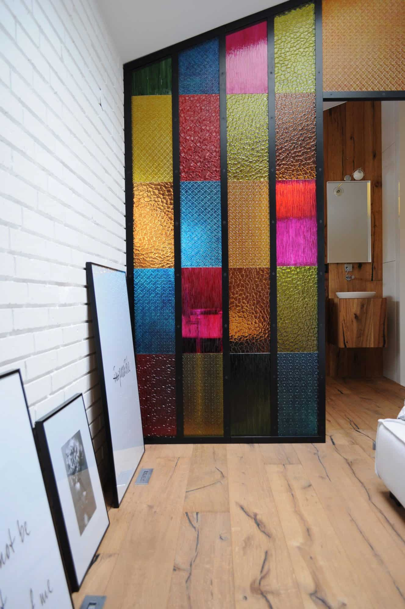 Bedroom Bathroom Partition in Colored Plastic Panels - DIY idea