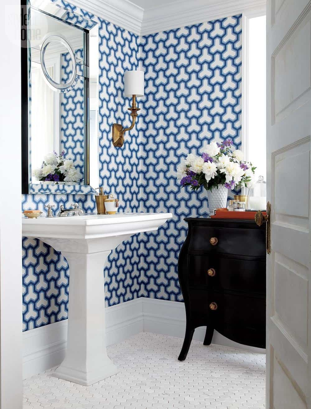 The Blue And White Wallpaper Design Brings On The Geometric In A Crisp,  Bold Look That Can Swing Both Traditional And Modern Depending On What Is  Paired ...