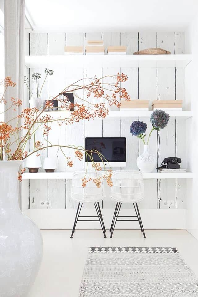 All White Rooms Are Great For Inspiring Creative Thinking