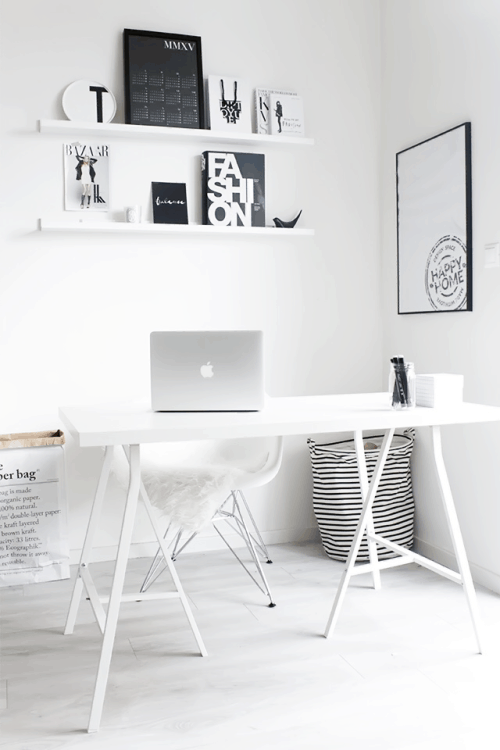 While this office space doesn't face the wall it still fills the work space  with creative energy, its like a blank white canvas waiting for the stroke  of a ...