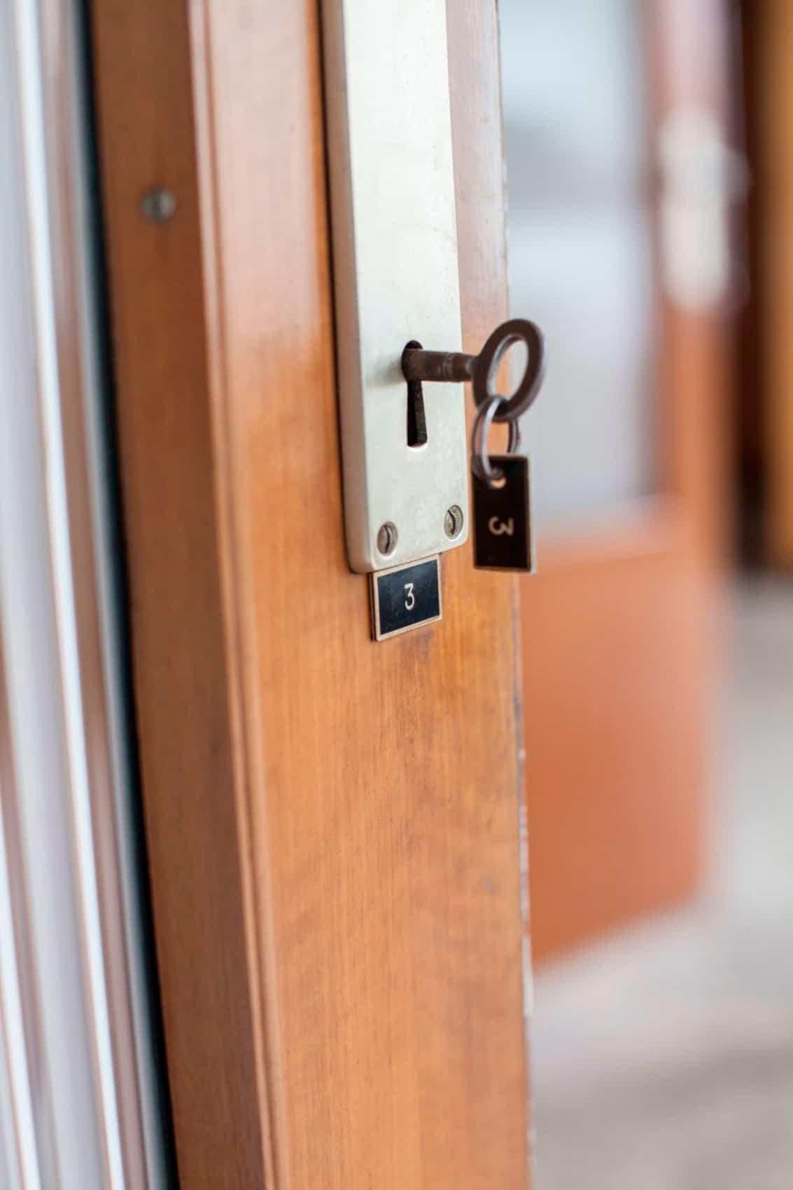 100 temporary lock for bedroom door locked out of bedroom h