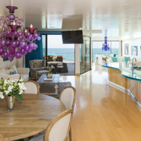Eclectic Modern Beach House: a Fantastic Example of Mix and Match Home Decorating