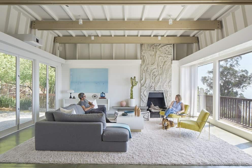 California Mid-Century Modern Has 13-foot Fireplace from
