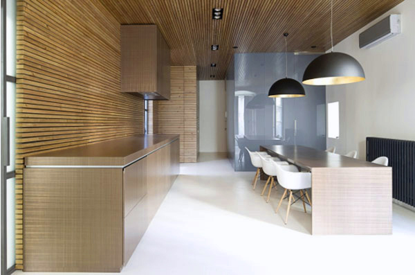 amazing zen like kitchen wood slat panelling 1 Amazing Zen Like Kitchen with Wood Slat Panelling
