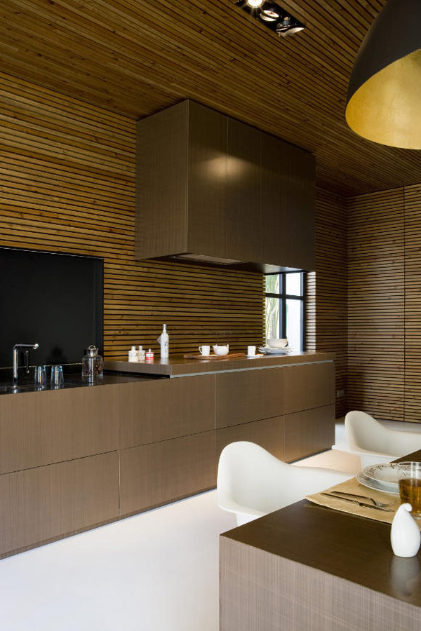 amazing-zen-like-kitchen-wood-slat-panelling-3.jpg