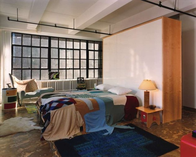 a-new-york-loft-with-eclectic-style-bedroom.jpg