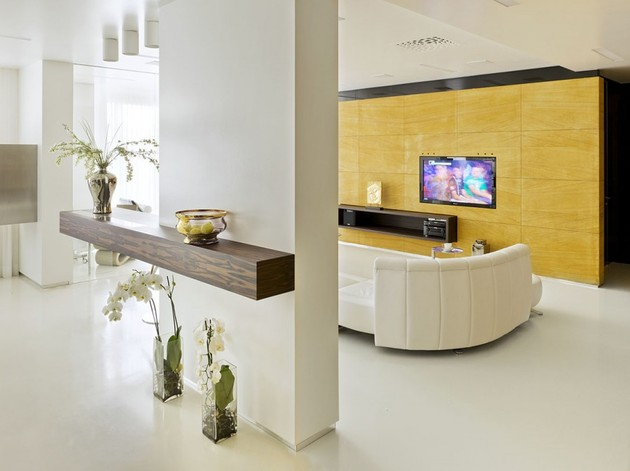 contemporary luxury russian design apartment 2 thumb 630x471 17200 Luxury Russian Design Apartment with Contemporary Flair