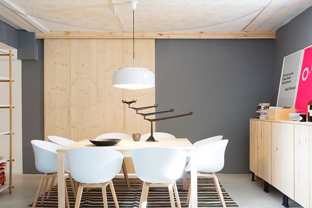 cool-basement-apartment-with-gorgeous-urban-design-15.jpg