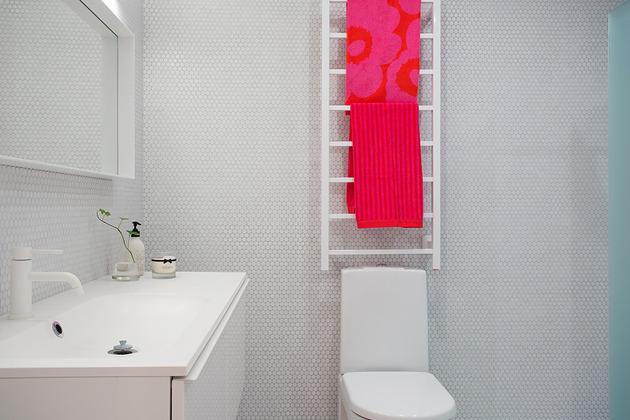 cool-basement-apartment-with-gorgeous-urban-design-22.jpg