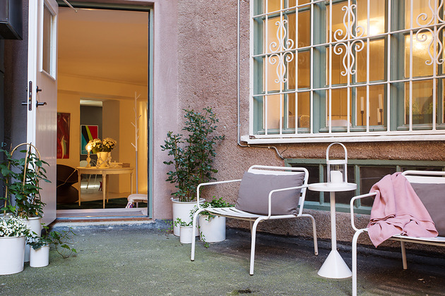 cool-basement-apartment-with-gorgeous-urban-design-25.jpg