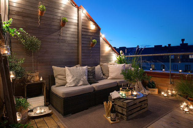 cozy apartment scandinavian style balcony night 3 thumb 630x420 15157 Cozy Apartment Decorated in Pure Modern Scandinavian Style