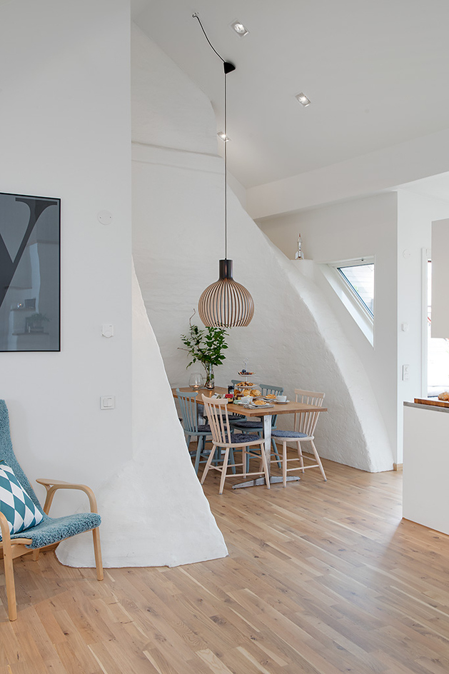 cozy-apartment-scandinavian-style-diningroom-1.jpg