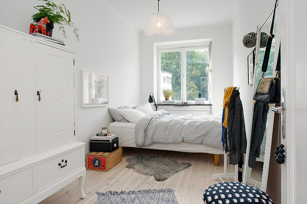 renovated-1930s-apartment-is-fun-and-fabulous-bed-1.jpg