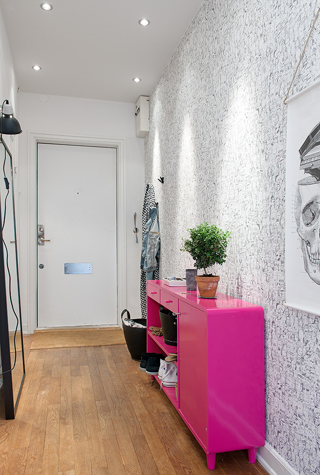 renovated-1930s-apartment-is-fun-and-fabulous-hallway.jpg