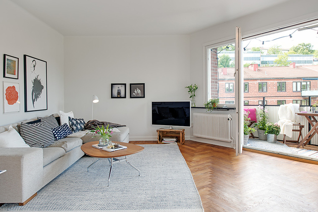 Thumbnail image for renovated-1930s-apartment-is-fun-and-fabulous-living-room.jpg
