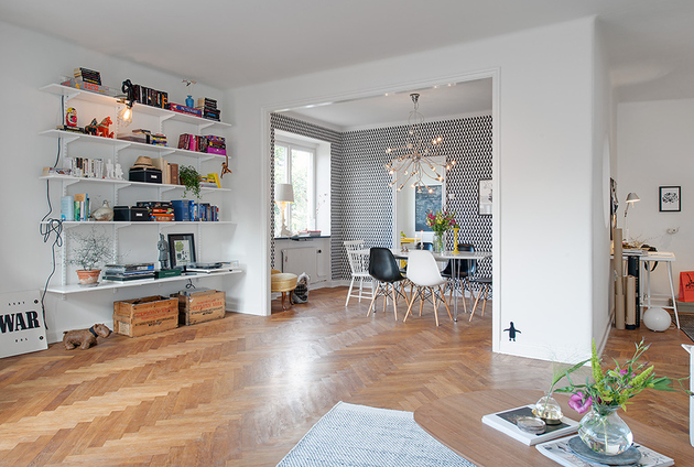 renovated 1930s apartment is fun and fabulous thumb 630x424 15018 Fun And Fabulous Renovated 1930s Apartment