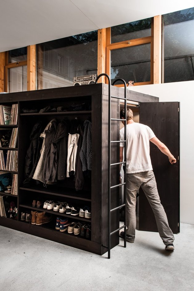 storage solution living cube till koenneker entering door thumb 630x943 14583 Storage Solution For Small Apartments   The Living Cube by Till Koenneker