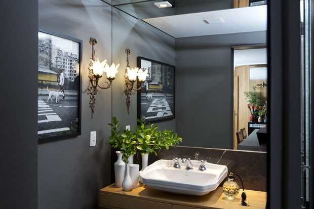 triplex-reconfigured-trilevelhome-ultra-modern-touches-19-powder-room.jpg