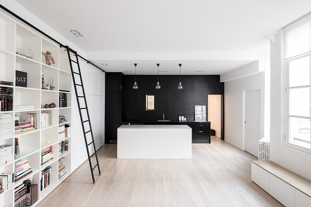 chic small black and white apartment in paris 1 thumb 630x419 26384 Chic Small Black and White Apartment in Paris