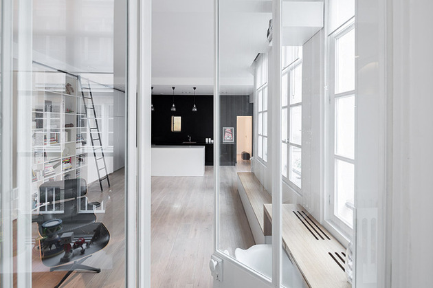 chic-small-black-and-white-apartment-in-paris-8.jpg