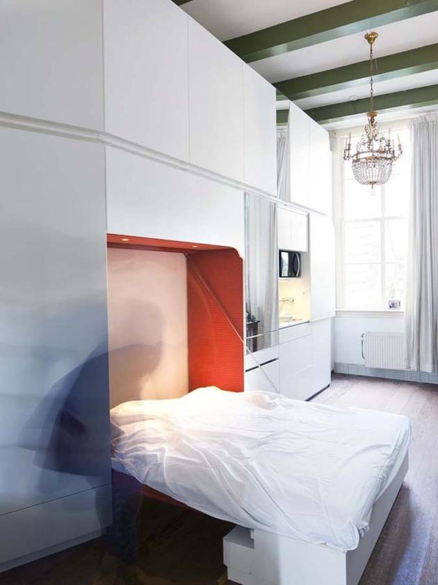 compact-urban-living-unit-by-bureau-lada-3.jpg