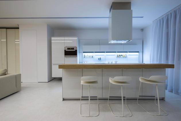 design-and-technology-mix-for-contemporary-kiev-apartment-4.jpg