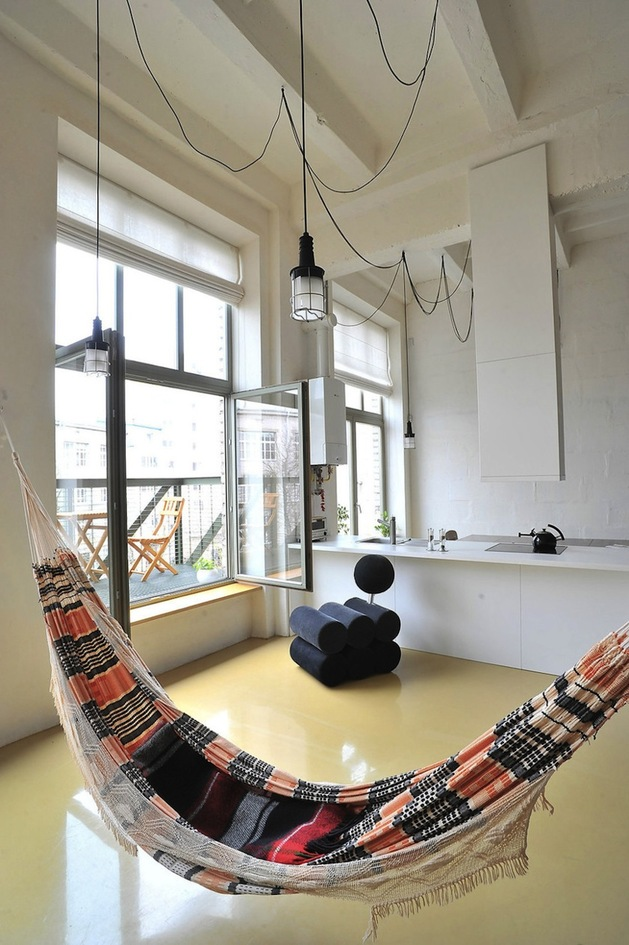 factory-loft-with-integrated-hammock-mezzanine-3-hammock.jpg