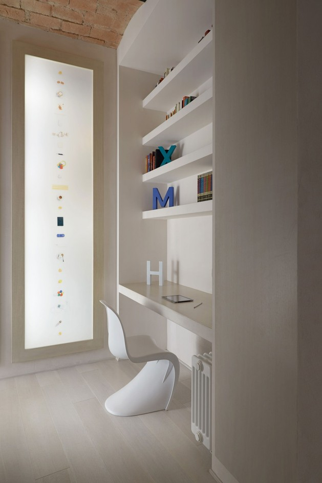 creating-personality-within-white-apartment-12-office.jpg