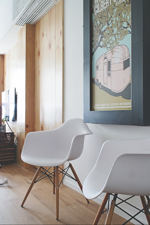 ideas-small-space-lifestyles-11-flip-down-dining.jpg