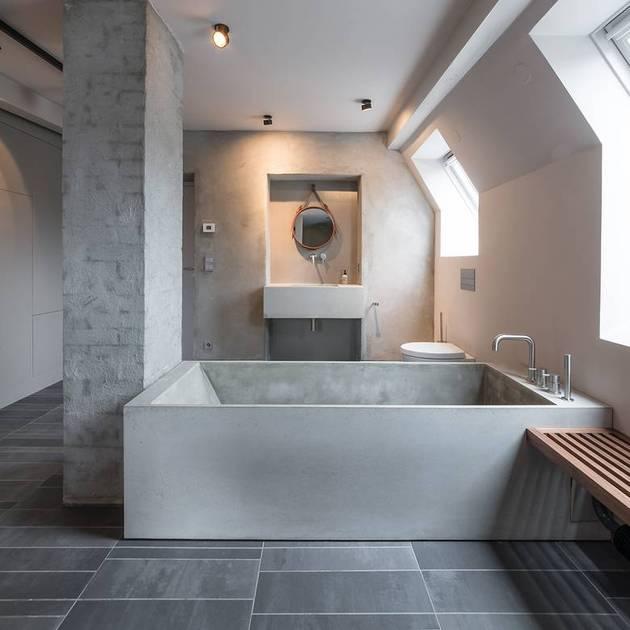 chic-textured-interiors-with-unique-materials-from-karhard-architektur-16-concrete-bathroom.jpg