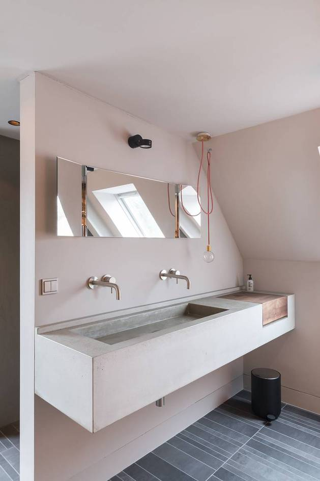 chic-textured-interiors-with-unique-materials-from-karhard-architektur-17-rectangular-basin.jpg