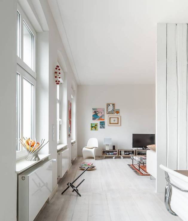 chic-textured-interiors-with-unique-materials-from-karhard-architektur-7-white-living-room.jpg