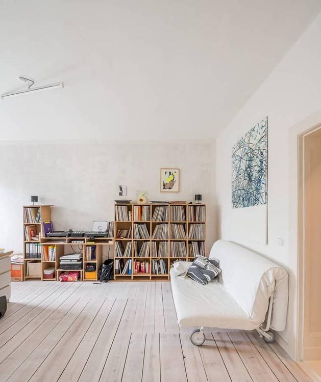 chic-textured-interiors-with-unique-materials-from-karhard-architektur-9-sitting-room-storage.jpg