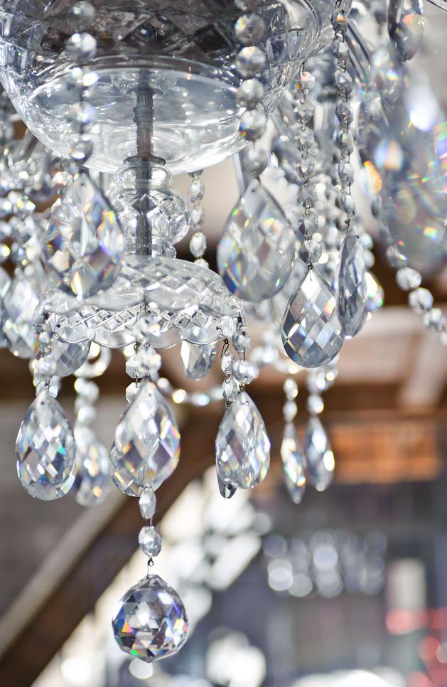 eclectic-loft-apartment-budapest-shay-sabag-10-chandelier.jpg