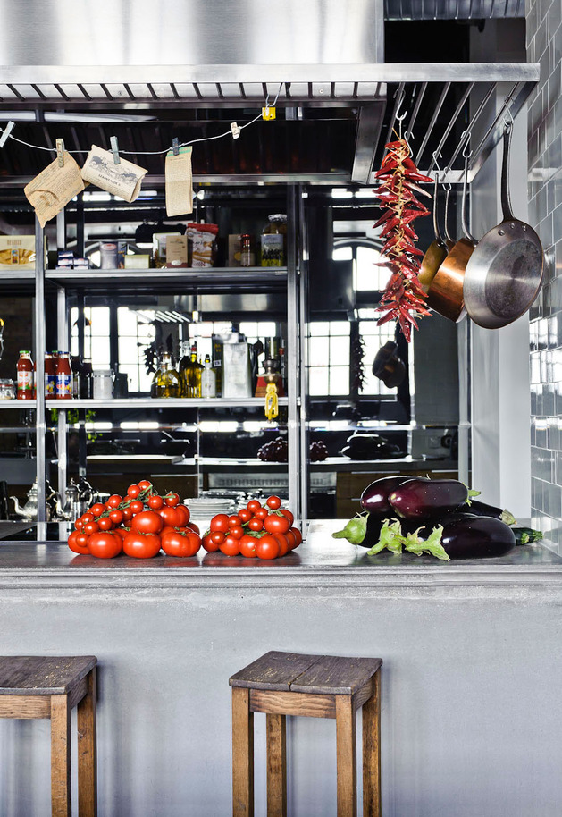 eclectic-loft-apartment-budapest-shay-sabag-5-kitchen-bar.jpg