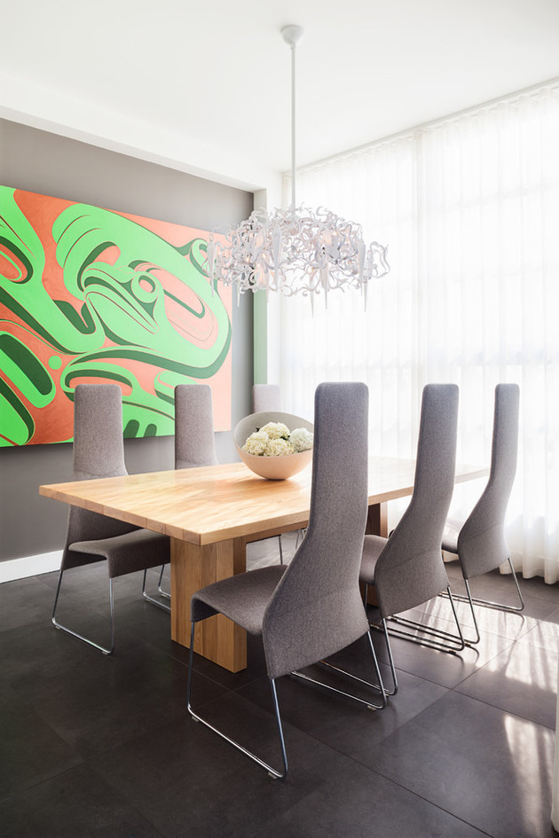 urban-penthouse-marrying-contemporary-design-and-art-5.jpg