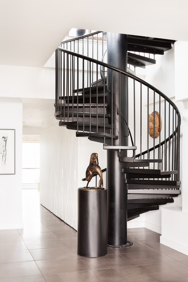 urban-penthouse-marrying-contemporary-design-and-art-6.jpg