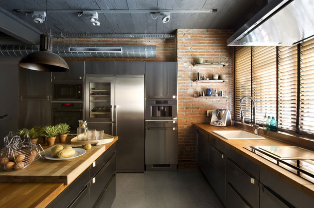 loft-with-open-layout-glass-walls-and-privacy-gardens-12.jpg