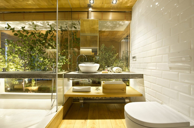 loft-with-open-layout-glass-walls-and-privacy-gardens-25.jpg