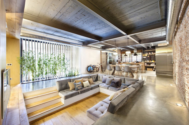 loft-with-open-layout-glass-walls-and-privacy-gardens-4.jpg